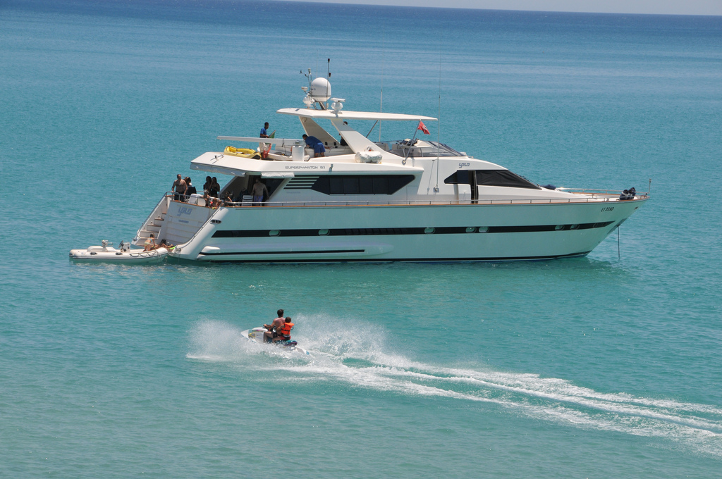 Chartering-Yachts-1