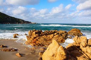 corsica_rocky_beach