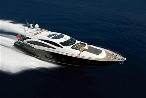 Gorgeous Sunseeker Predator 92 BALTAZAR ready for charters in Sardinia this summer
