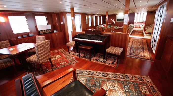 large-Northern-Sun-Main-Saloon-looking-aft
