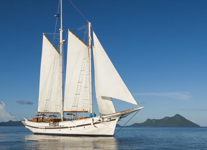 RAJA, majestic under sail