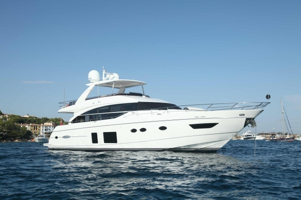 Beach Clubs Nightlife And Ibiza Yacht Charters Yacht