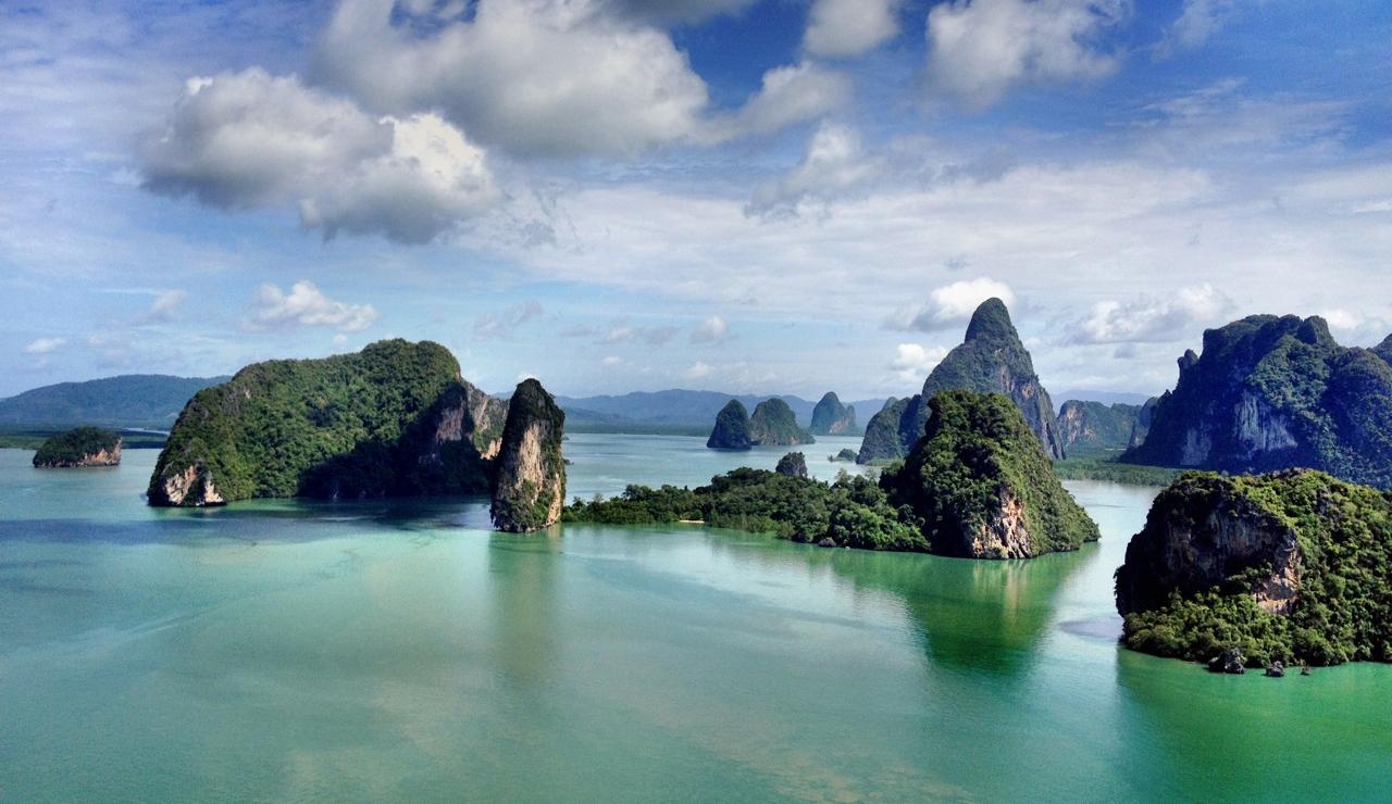 Phang_Nga_and_Phang_Nga_Bay