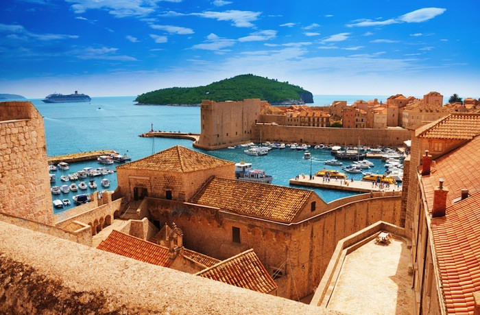 Explore the Adriatic when you start your charter in Dubrovnik