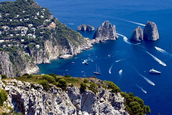 Visit_Capri_as_you_explore_the_Amalfi_Coast_2767_5527_222c5e