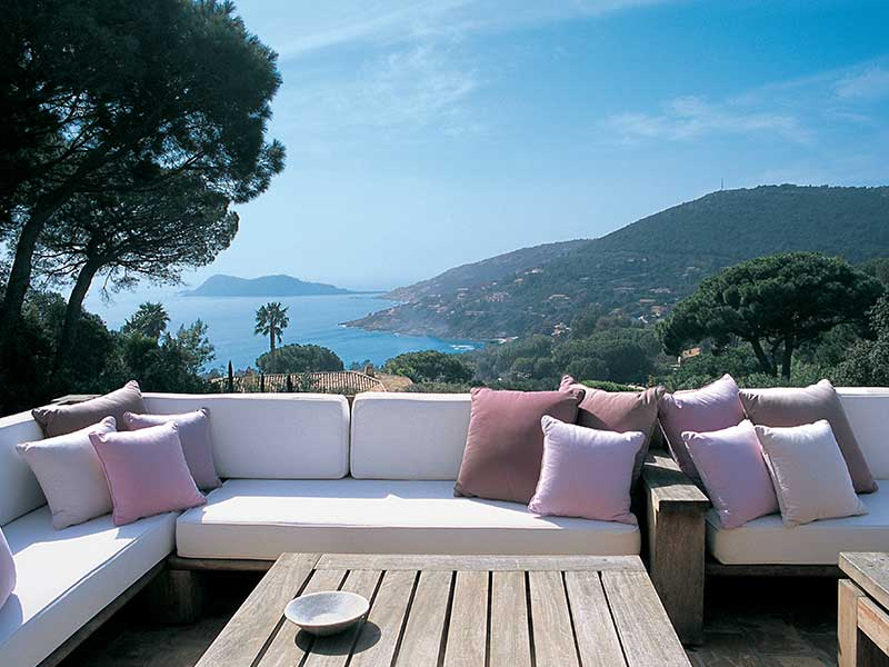what 39 s hot right now on the french riviera part 2 st tropez yacht charter news and boating. Black Bedroom Furniture Sets. Home Design Ideas