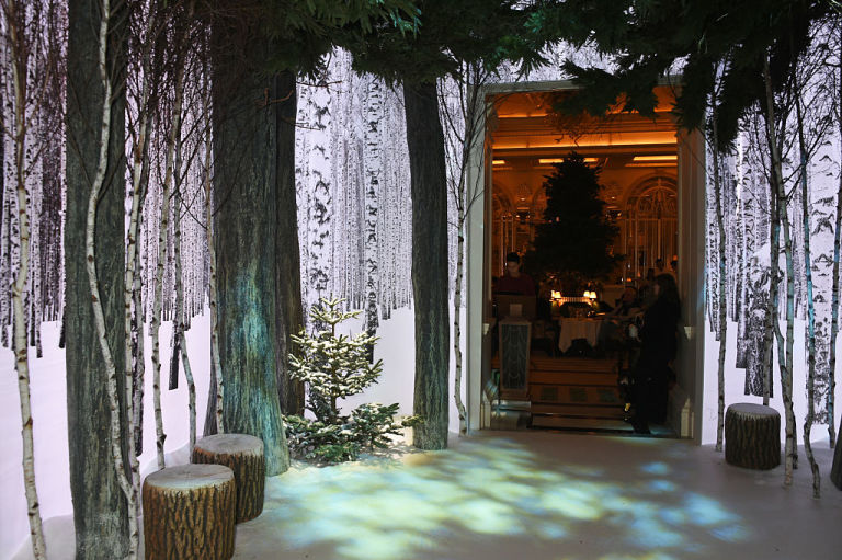 claridges-christmas-tree-2016-party-4
