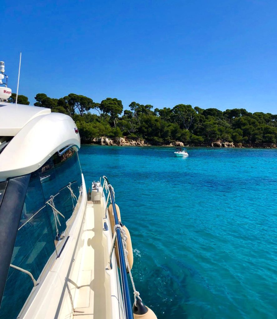 boatbookings, day charter, day on a yacht, french riviera, iles des lerins, prestige 500s cannes, lerins islands day charter,