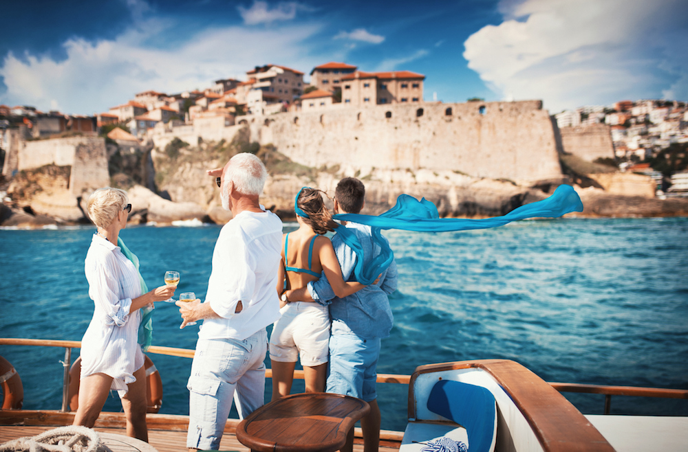 Coronavirus and chartering a yacht - the safest vacation
