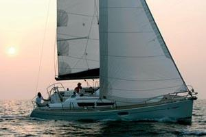 Charter Yacht Sun odyssey 36i - 3 Cabins - Hyeres - France