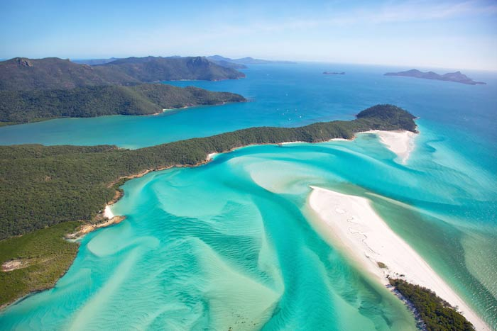 Charter a yacht to Whitsunday Island