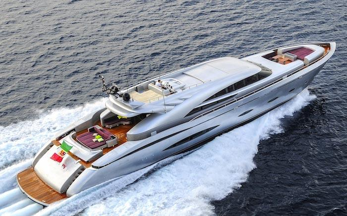 Charter a luxury motor yacht in Singapore