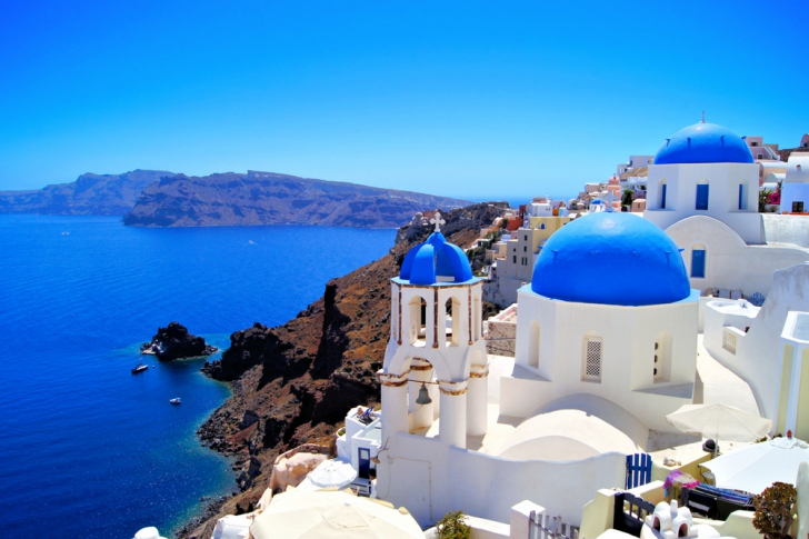 Charter a yacht in Santorini and see these stunning views first hand