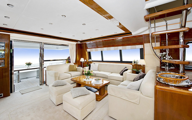 ANNE VIKING Princess 84 Luxury Motoryacht Lounge