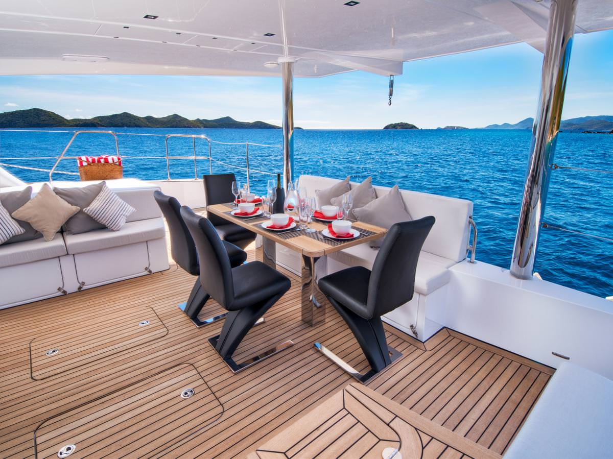 EUPHORIA 60 Crewed Catamaran BVI Al Fresco Dining
