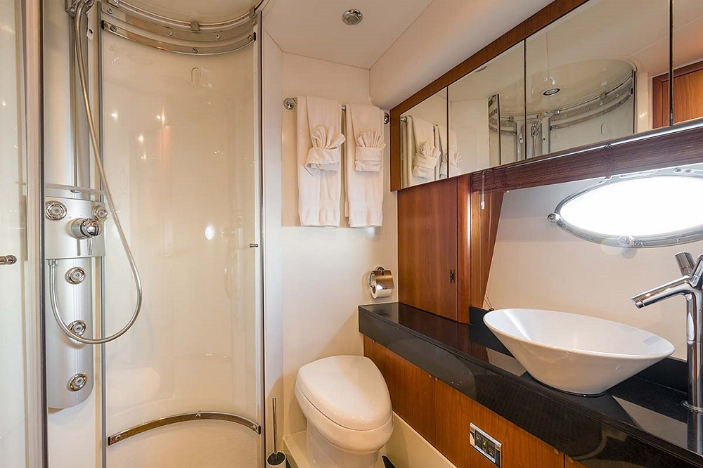 GLORIOUS - Crewed Motor Yacht - Croatia - Double Ensuite