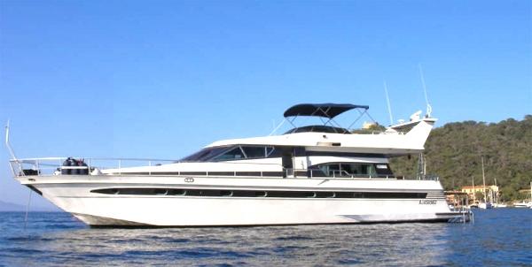 Charter yacht yoli astondoa 58 gl 3 cabins cannes for Nice fishing boats