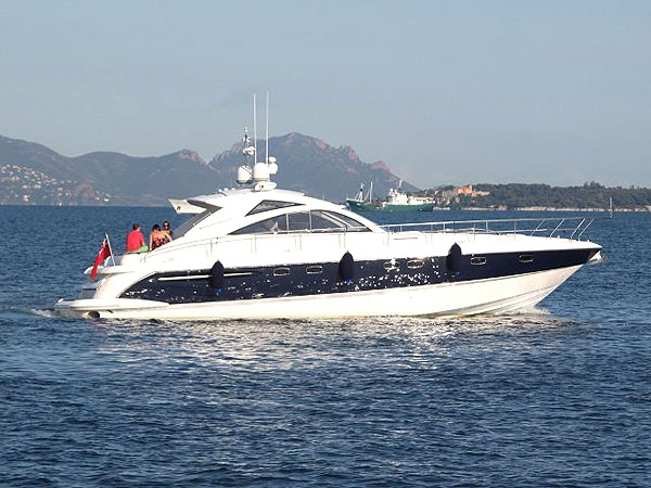 Crewed Motor Yacht Fairline 52 - Day Charter for up to 10 guests - Juan les ...